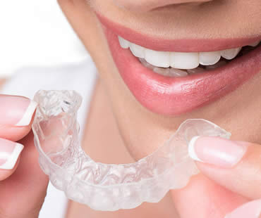 Can Choosing Invisalign Really Keep My Mouth Healthier?